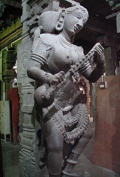 veena-statue